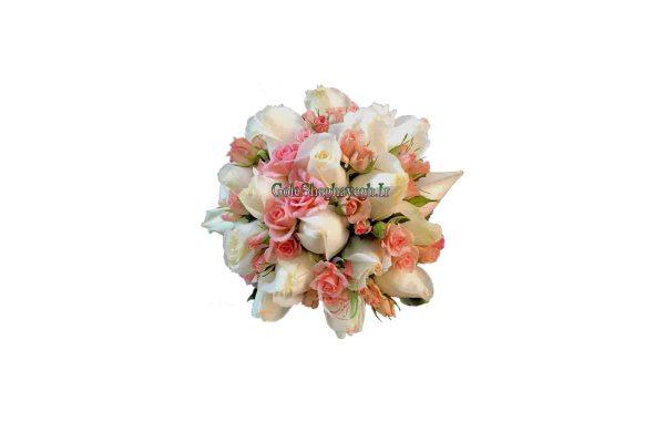 دسته گل عروس رز سفید و رز مینیاتوری